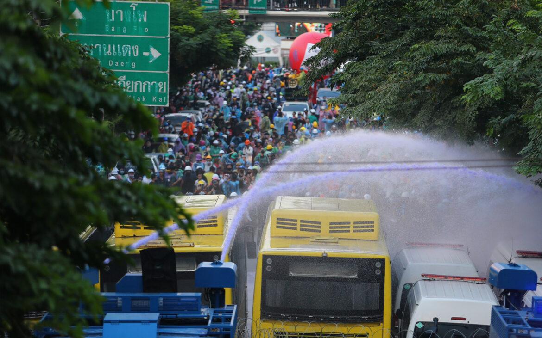 สรุปเหตุการณ์ชุมนุม 17 พฤศจิกายน รถฉีดน้ำ แก๊สน้ำตา มินเนี่ยนอาละวาด