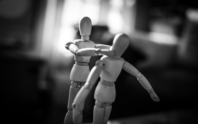 "Toxic Relationship คืออะไร? ความสัมพันธ์ที่มีเป็น ""พิษ"" กับชีวิตจิตใจอยู่หรือเปล่า?"
